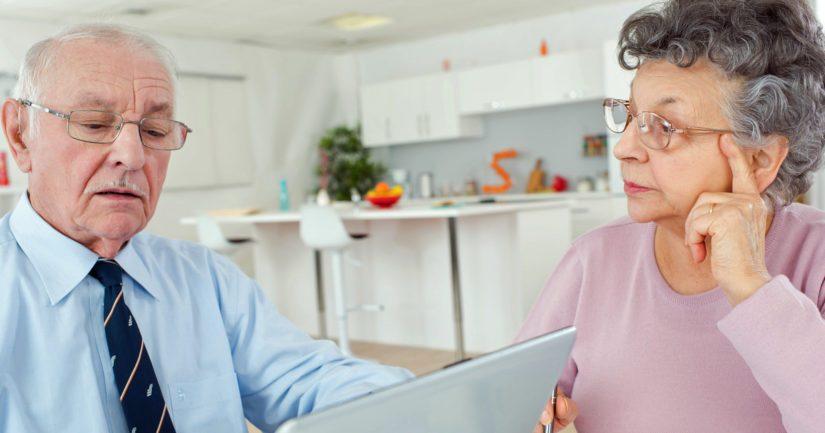 Osa pientä työeläkettä saavista ei huomaa hakea kansaneläkettä, kun he täyttävät 65 vuotta.