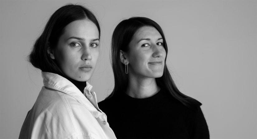 Puvun suunnitteli Aalto-yliopiston muoti- ja vaatetussuunnittelun opiskelija Emma Saarnio, ja kankaan tekstiilisuunnittelun opintoihin keskittynyt Helmi Liikanen.