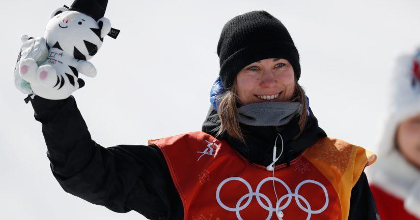 Kuusamolainen 27-vuotias lumilautailija Enni Rukajärvi kisaa vielä reilun viikon kuluttua big airissa,