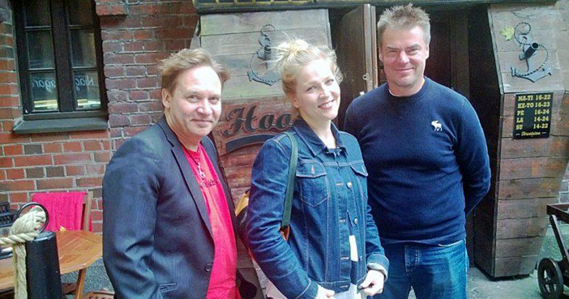 Alastoman miehen tempauksen kohteeksi joutuneen Hookin omistajakuntaan kuuluvat Eppu Salminen, puoliso Kaisa Kuikkaniemi ja Raipe Helminen.