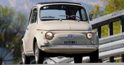 Klassinen Fiat 500 New Yorkin modernin taiteen museoon – auto toimii malliesimerkkinä hyvästä designista
