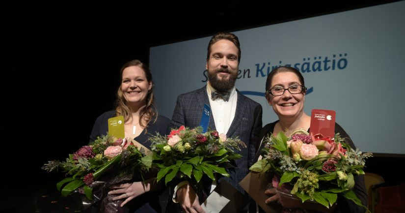Kirjallisuuden Finlandia -palkinnot jaettiin voittajakolmikolle Kansallisteatterissa.