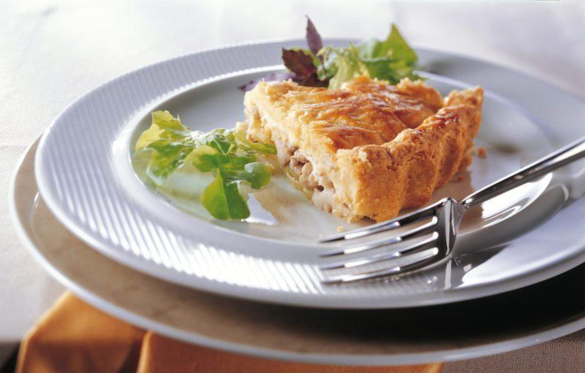 Paista kunnes pinta on kullanruskea ja tarjoa lisänä hyvää vihreää salaattia.