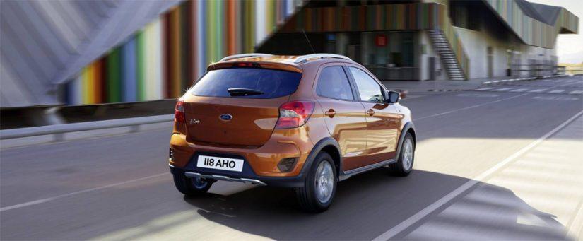 Ainakin kaupungissa Fordin ketterä pienokainen jättää monen kömpelön SUV:n taakseen.