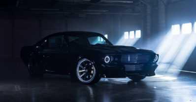 Klassista Ford Mustangia saa pian myös sähköisenä – kori kätkee sisälleen huippumodernia tekniikkaa