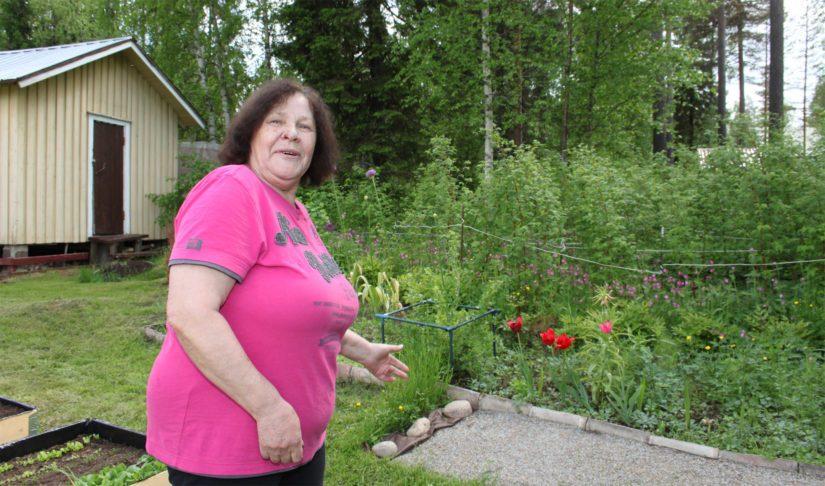 Pietarista kotoisin oleva Galina Mänttäri osti Lampinsaaresta mieleisensä vapaa-ajan asunnon. – Kiersimme Suomea ristiin rastiin ja pala paratiisia löytyi entisestä mainarikylästä.