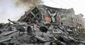 Israelin ja palestiinalaisten konflikti eskaloituu – lähtikö kaikki moskeijan kaiuttimien johtojen katkaisusta?