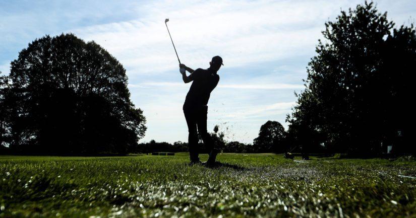 Läheisellä golfkentällä pelaamassa ollut mies oli havainnut viheriöllä pienen lapsen leikkimässä.