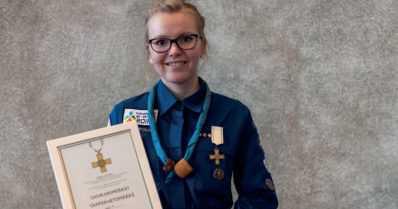 Partiojohtaja sai sankarimerkin – Hanna pelasti hengenvaarassa olleen hukkumasta