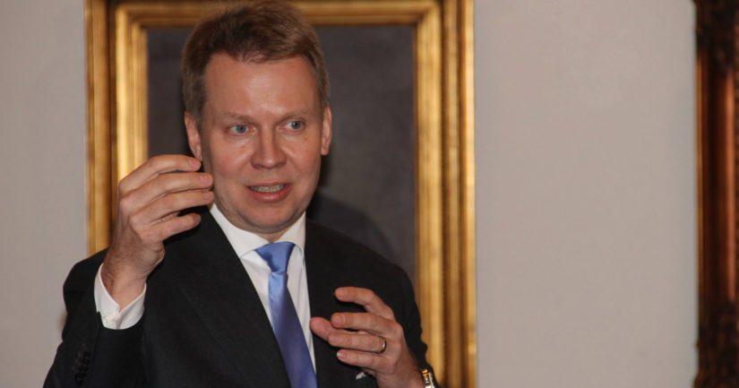 Talousvaliokunnan varapuheenjohtaja Harri Jaskari miettii, että voi tehdä mahdollisesti asiasta vielä ponnen eduskuntakäsittelyyn.
