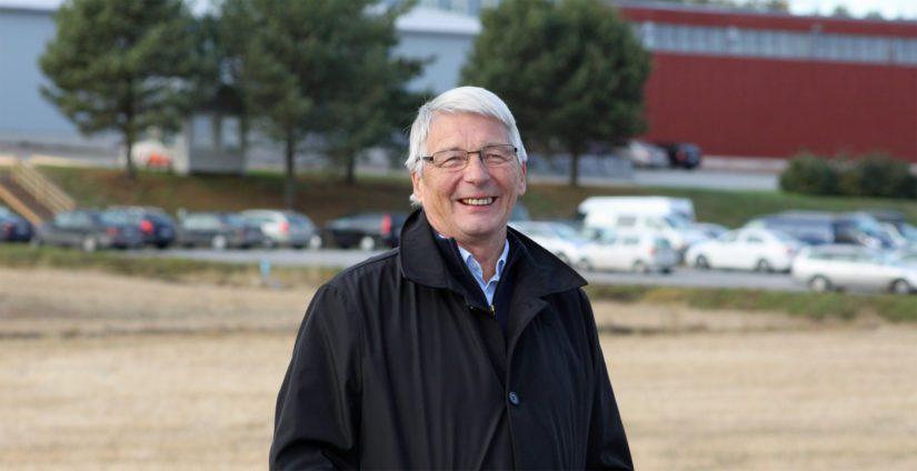 Oravaisten talotehtaan perustaja ja entinen toimitusjohtaja Harry Backlund sanoo olevansa kovissa liemissä pyöritetty yrittäjä. – Konkurssi vei omaisuuden, mutta ei itsetuntoa, Backlund painottaa.