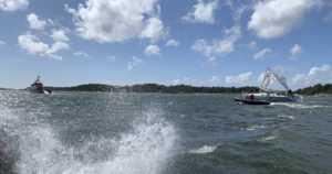 Purjeveneen masto katkesi kovassa tuulessa Saaristomerellä – alus ajautui karille