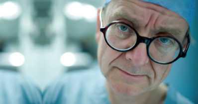 Aivokirurgi, joka vihasi sairaaloita, mutta ei voinut vastustaa vaikeita leikkauksia