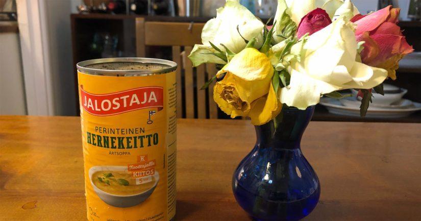 Kasvisruoan tästä saa, jos vaihtaa tiivisteen kasvishernekeitoksi ja pekonin vaikka soijarouheeksi.