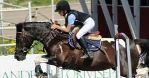 Traagisessa onnettomuudessa menehtyi 11-vuotias ratsastaja – nuori tyttö oli jo kokenut hevosenkäsittelijä