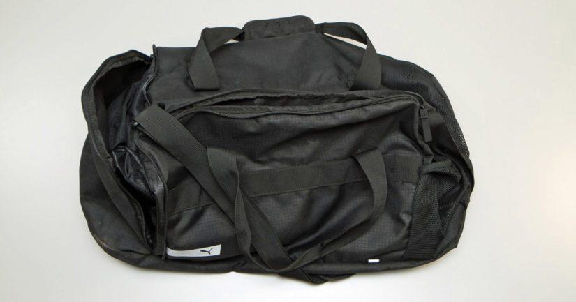 Kerrostalon rappukäytävässä olleessa laukussa oli useita kiloja erittäin vahvaa amfetamiinia.