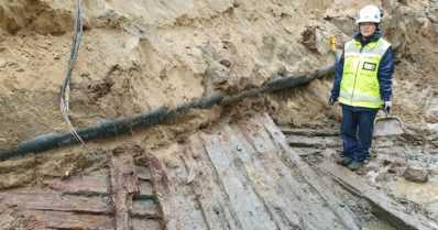 Pysäköintialueen kaivutöissä löytyi laivan hylky – yksi Pohjois-Suomen vanhimpia laivalöytöjä