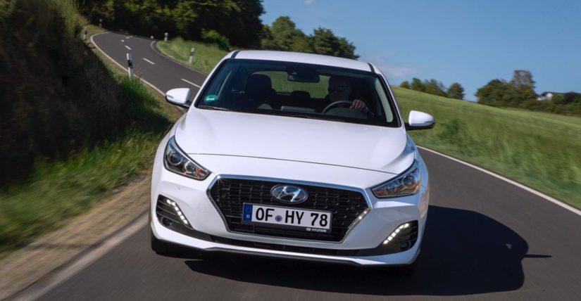 Uuden dieselin lisäksi mallivuoden 2019 i30 hatchback ja farmari ovat saaneet tuoreen etupuskurin.