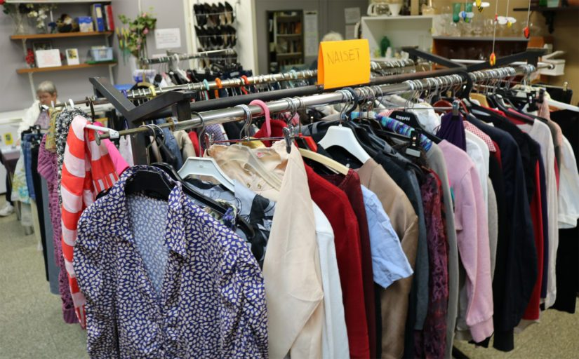 Suomen ensimmäinen nollan euron paikka tarjoaa apua silloin, kun hätä on suurin. Tavarat, olivatpa ne siten vaatteita, astioita tai vaikkapa lasten leluja, ovat hakijalleen ilmaisia.