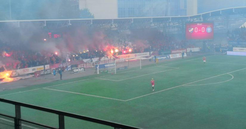 HIFK:n fanien raivoisa kannustus ei auttanut. HJK voitti kauden toisen derbyn 2-0.