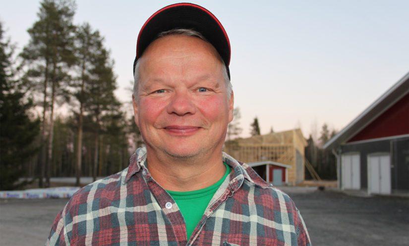 Maidontuottaja Ilkka Pakonen on esimerkki isännästä, joka ei ole vaikeuksienkaan keskellä menettänyt luottamustaan maatalouteen. – Arvostus lähtee itsestä, mutta selviytymiseen tarvitaan hyvien yhteistyötahojen lisäksi myös siunausta ja onnea.