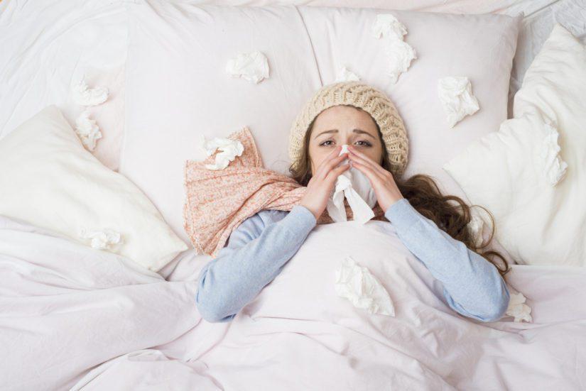 Influenssa alkaa tyypillisesti nopeasti nousevalla korkealla kuumeella ja siihen liittyy lihaskipua, päänsärkyä ja huonovointisuutta.