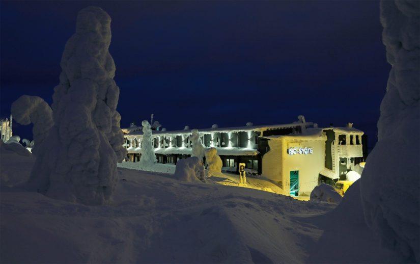 Hotelli Iso-Syöte ennen tulipaloa helmikuussa 2018.