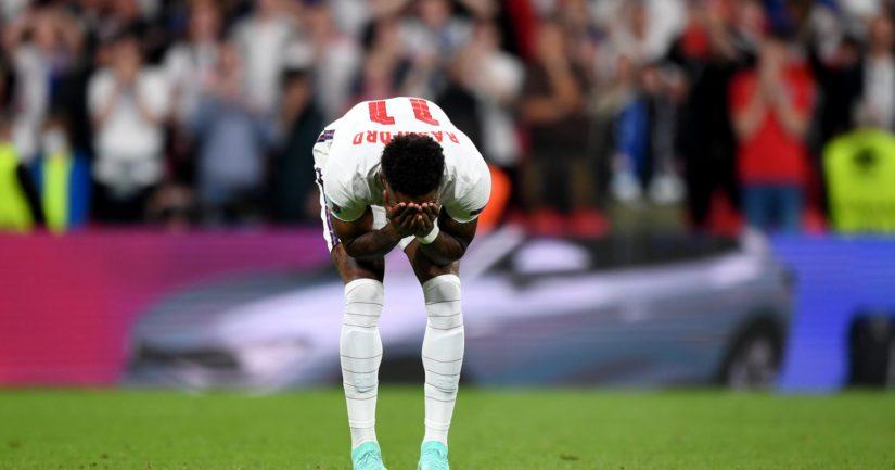 EM-finaalissa rangaistuspotkukilpailussa epäonnistunut Marcus Rashford sai niskoilleen rasistisia törkykommentteja (Kuva UEFA)