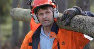Metsuri-Jaakko on ajanut loppuun 75 moottorisahaa – eikä ole ollut päivääkään poissa töistä