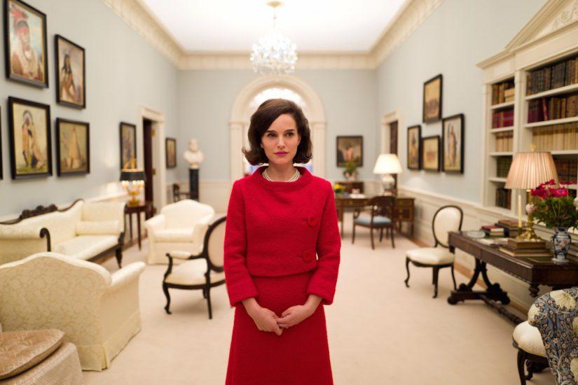Natalie Portman elementissään Jackiena. (Kuva Filmikamari)