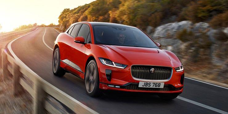 I-Pacea mainostetaan ensimmäiseksi ajajan ehdoilla suunnitelluksi sähköautoksi.