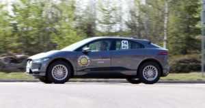 Jaguar I-Pace luokkavoittoon taloudellisuusajossa – yli puolet kilpailijoista täyssähköautoja