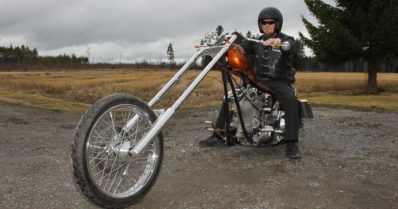 """Moottoripyöräonnettomuus pysäytti harrikkamiehen – """"En jäänyt kuitenkaan kohtaloni vangiksi"""""""