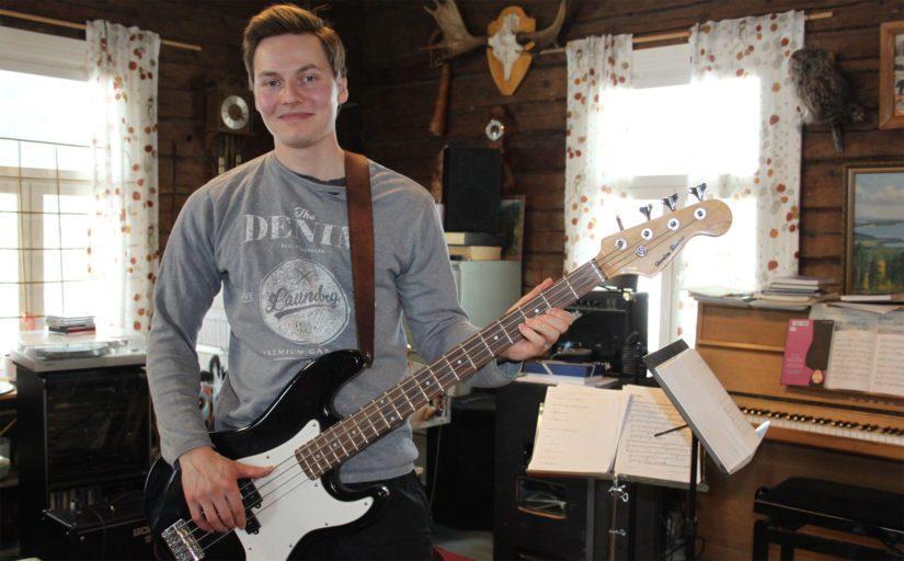 Musikaalinen Janne sanoo maataloudessa pätevän hyvin pitkälle samat säännöt kuin pesäpallokentälläkin. – Hyvä joukkuepeli on avain menestykseen.