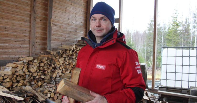 Tulevaisuutta ajatellen Tapio on miettinyt jopa kouluttautumista maatalousalalle. – Agrologiopintojen lisäksi mielenkiinnon kohteena on myös metsätalousinsinöörin tai metsurin koulutus. Olisihan se hieno toimia kesät viljelijänä ja talvet metsurina.