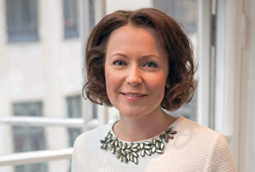 Jenni Haukio on koonnut antologian suomalaisesta runoudesta satavuotiaan maamme kunniaksi.