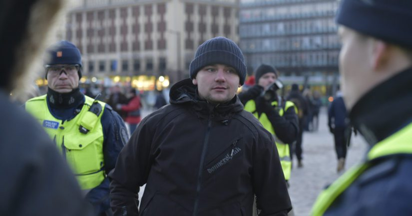 Helsingin asema-aukion pahoinpitelytapauksessa tuomittiin Suomen vastarintaliikkeen Jesse Eppu Torniainen.