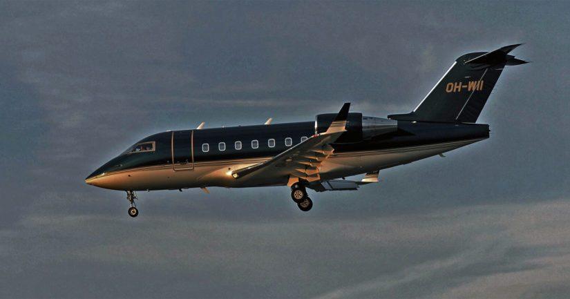 Eri medioiden tietojen mukaan kyseessä oli kuvan kaltainen suomalaisen Jyhtiön liikelentokone, joka saapui lauantaina Irakin Erbilistä Helsinkiin.