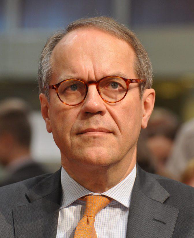 Nokian entisen toimitusjohtajan, pääjohtajan ja hallituksen puheenjohtajan Jorma Ollilan työryhmän esitys kummittelee taustalla tänäkin päivänä.