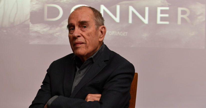 Jörn Donner palkittiin kirjailijana Finlandia-palkinnolla ja hän on vastaanottanut elokuvatuottajana Oscar-palkinnon.