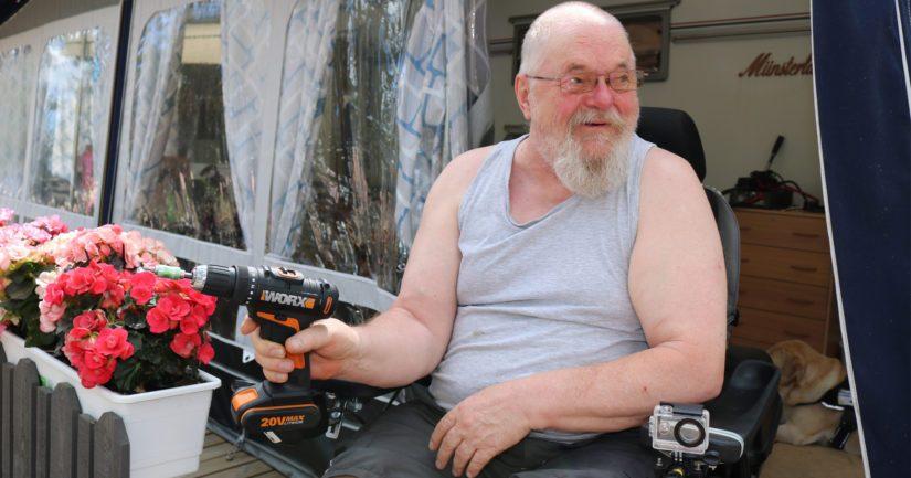 Jouko Heinonen on käyttänyt pyörätuolia liikkumiseensa jo viidentoista vuoden ajan. – Liikuntarajoitteisuus ei estä harrastamasta myöskään karavaanielämää. Kaikki on kiinni omasta tahdosta.