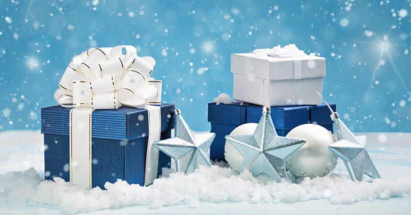 Myös joulukoristeet, kuten joulupallot ja kimallenauhat kuuluvat sekajäteastiaan, samoin kuin lahjapaperit.