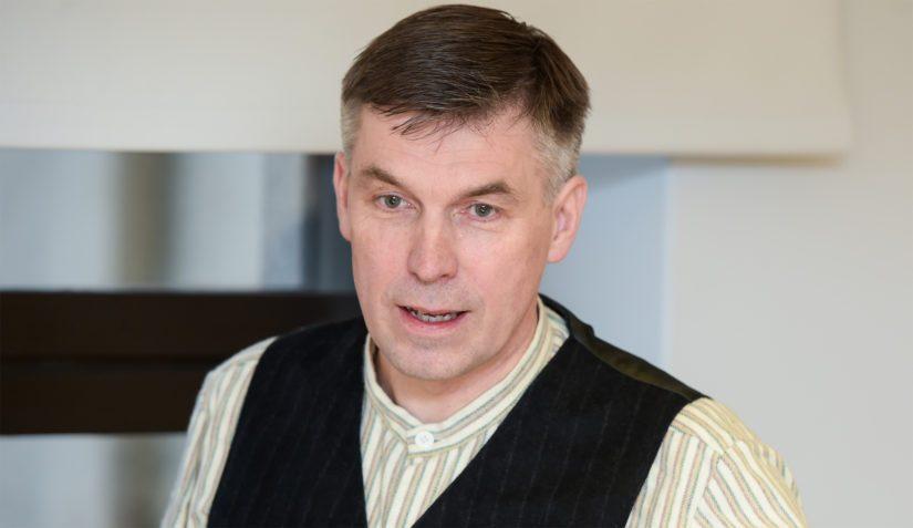 MTK:n puheenjohtaja Juha Marttila peräänkuuluttaa rakenteellisia uudistuksia. – Kriisituet ovat pieniä laastareita suuriin haavoihin.