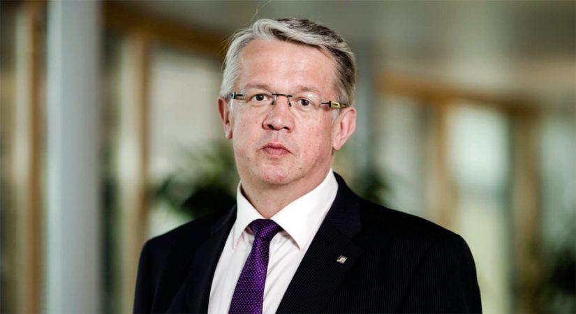 Entinen perhe- ja peruspalveluministeri Juha Rehula pääsee nyt viettämään kesälomaansa.