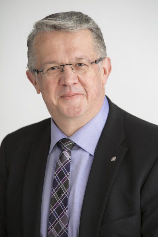 – Yhteiskuntana me kannamme vastuun siitä, mitä teille on tapahtunut, ministeri Juha Rehula tunnusti.