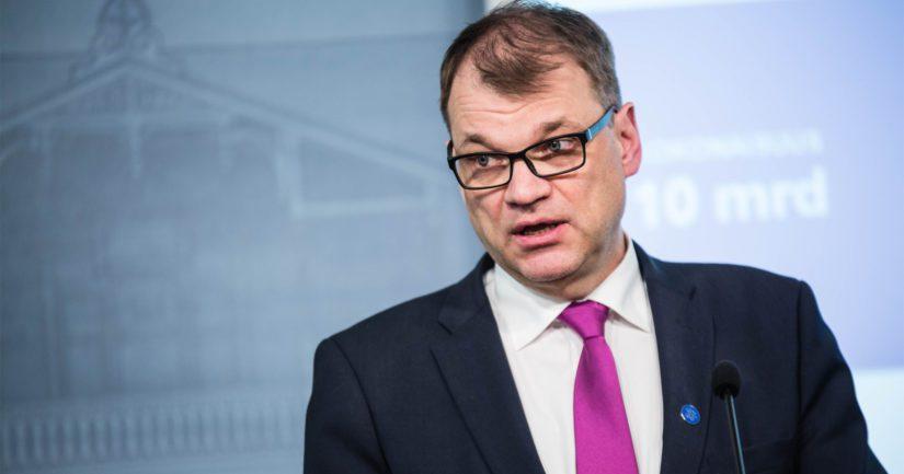 Pääministeri Juha Sipilällä on liikemiestausta, mutta politiikan ja yritysmaailman yhdistäminen on tuottanut ongelmia.