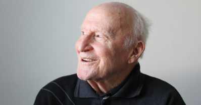 """105-vuotias Juho ei ole joutomies – """"Mukava puuhastelu pitää sopivasti vireessä"""""""
