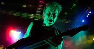 Rokkaritkin vanhenevat – Sielun Veljien kitaristi sai taiteilijaeläkkeen