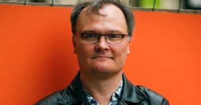 """Jukka-Pekka Palviainen – """"Lapsille pitäisi lukea ääneen senkin jälkeen, kun he osaavat jo lukea"""""""