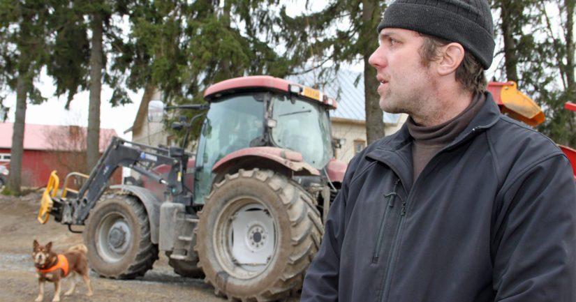 Jyrki Nikkilä on isännöinyt maidontuotantoon painottuvaa kotitilaansa 11 vuoden ajan. – Luotan siihen, että pohjakosketus tuottajahinnoissa on nyt otettu ja suunta on nousujohteinen.